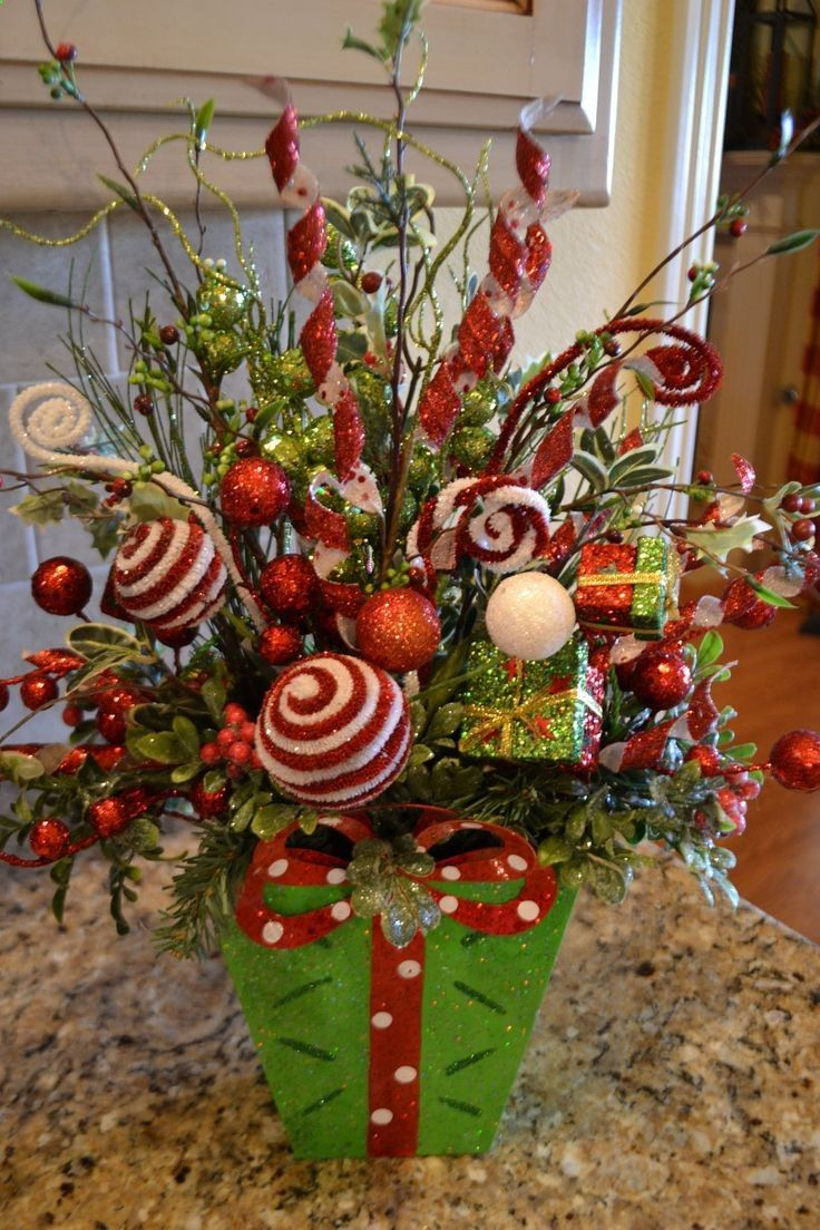 whimsical-christmas-flower-arrangements