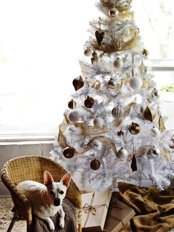 white-and-simple-christmas-tree-decorations-ideas
