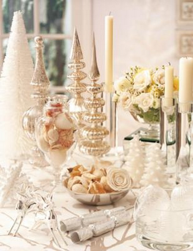 white-christmas-table-centerpieces