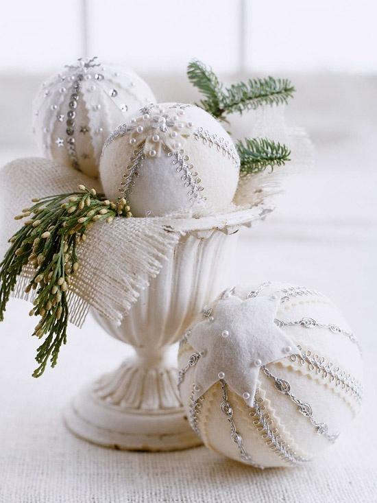 white-felt-christmas-ornaments