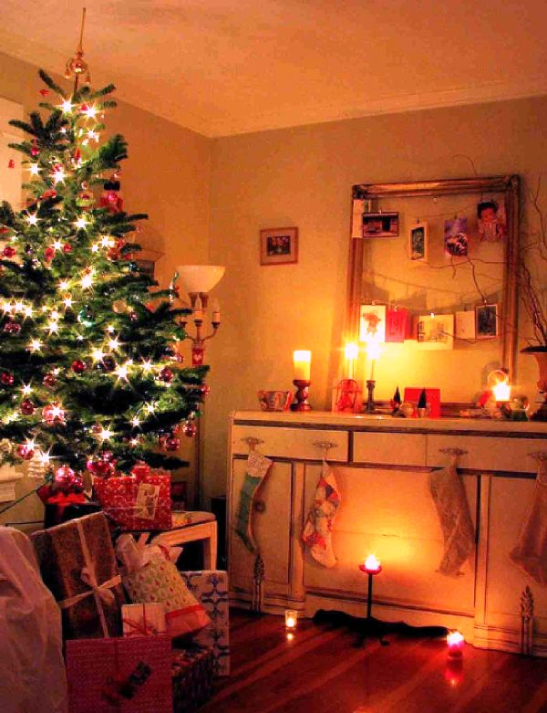 white-yellow-rooms-for-christmas-trees