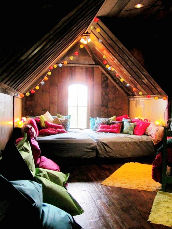 attic-hideaway-chirstmas-design-ideas