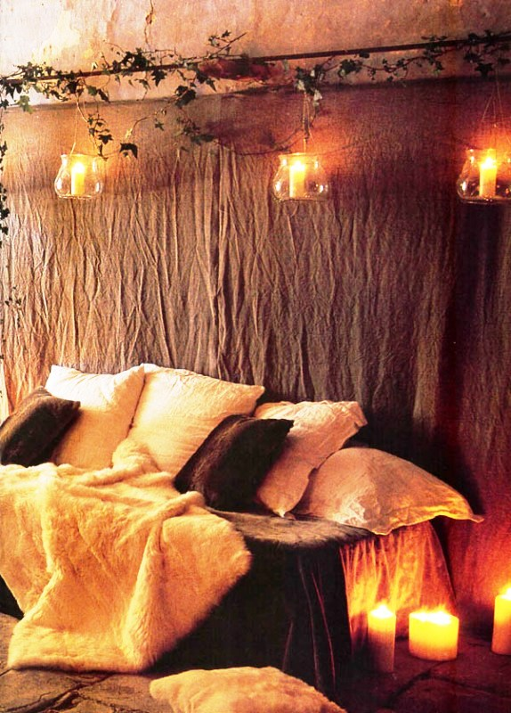 bedroom-with-christmas-lights-design
