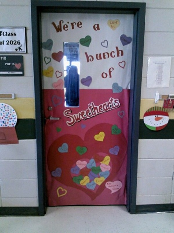 creative-classroom-door-decorations