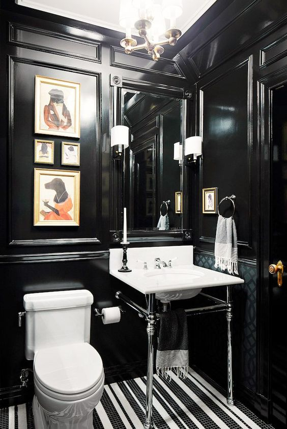 Bathroom decorated in black and white 8