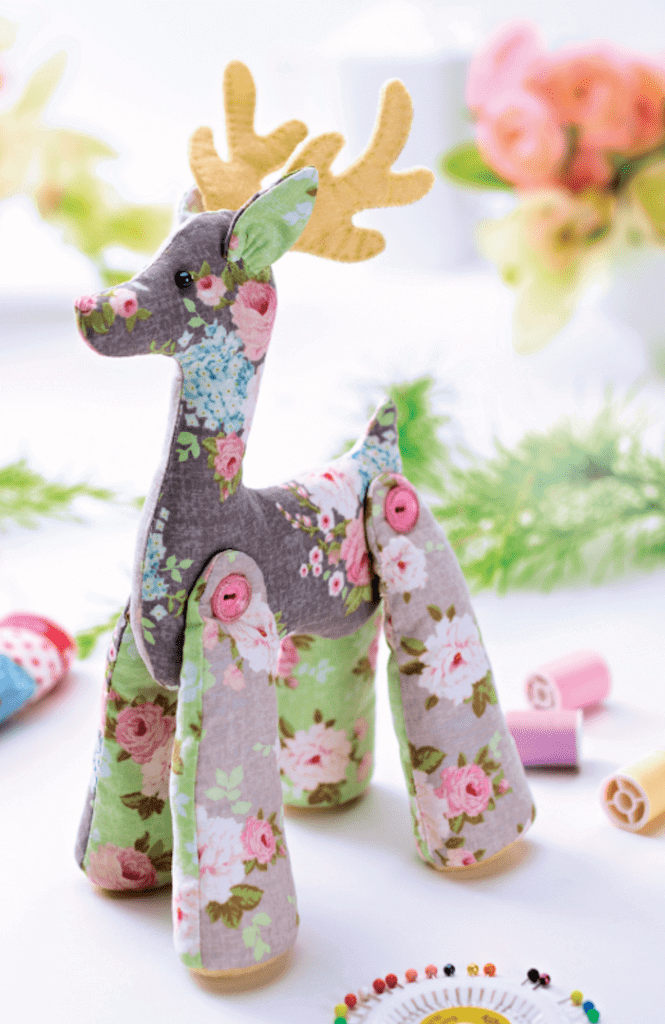 8 – Reindeer with patterned fabrics