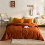 Unusual Ideas for Decorating a Bed Without a Headboard 1